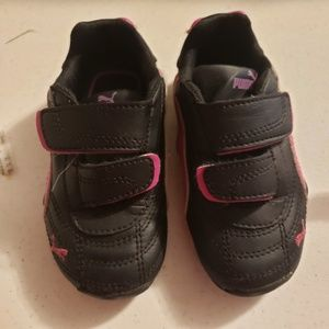 Puma girl toddler gym shoes
